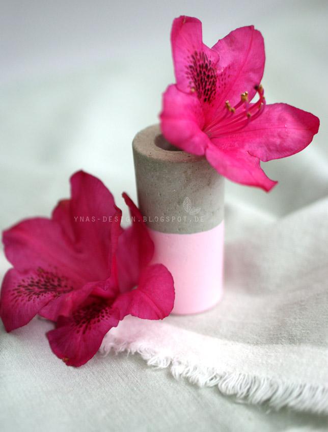 Ynas Design Blog, Mini Vasen aus Beton, gedippt, Von Oh, Beton!