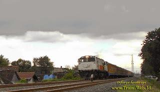 Jadwal dan Harga Tiket Kereta Api Kutojaya Selatan