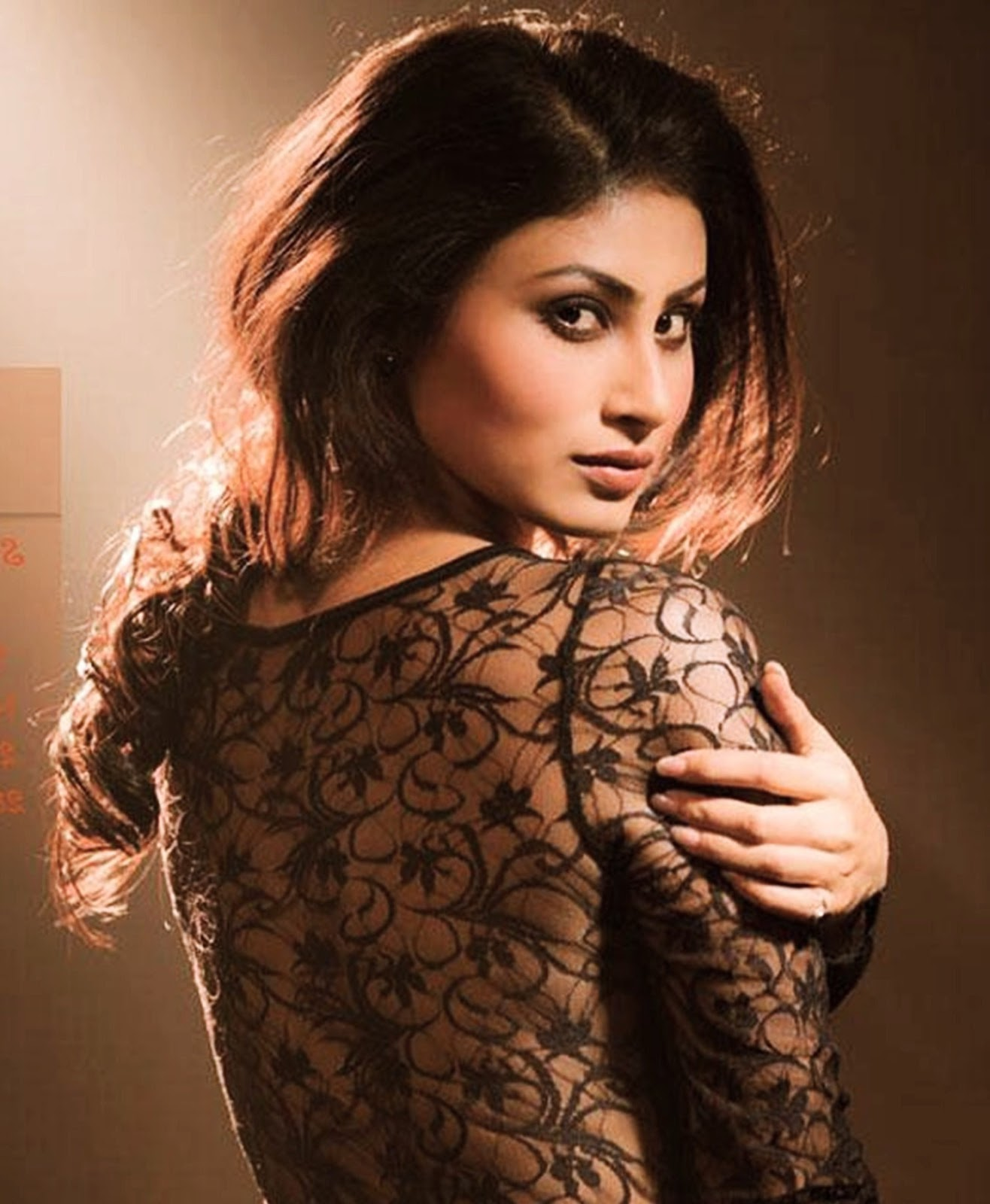 latest mouni roy hot wallpaper images pic photos for pc