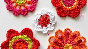Flores para decoración tejidas al crochet