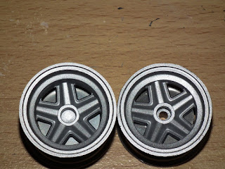Wheels on Tamiya Porsche 910 too shiny