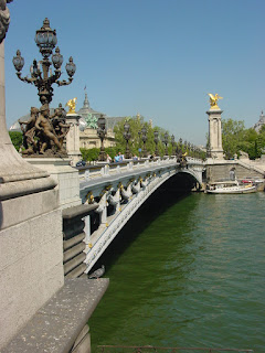 The next wonder is the Pont Alexandre III