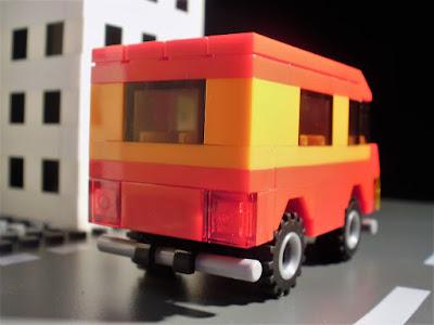 MOC LEGO Carrinha vermelha