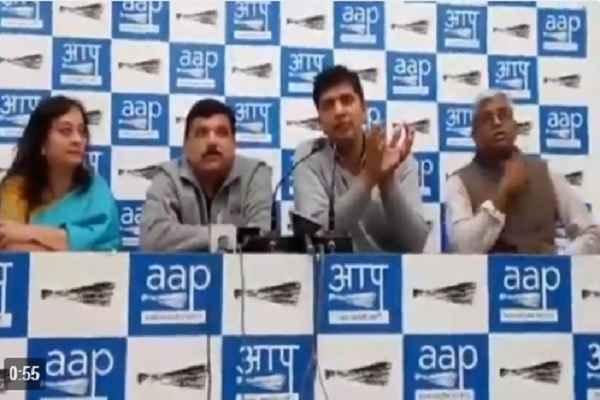 aap-leaders-spreading-lie-on-evm-hai-to-bjp-hai-trending-twitter