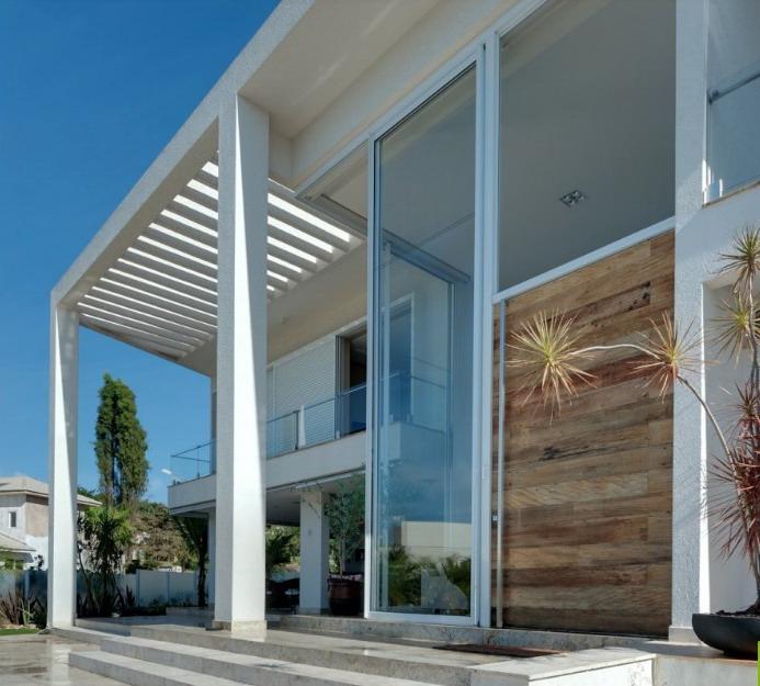 Rumah Minimalis Desain Banyak Kaca