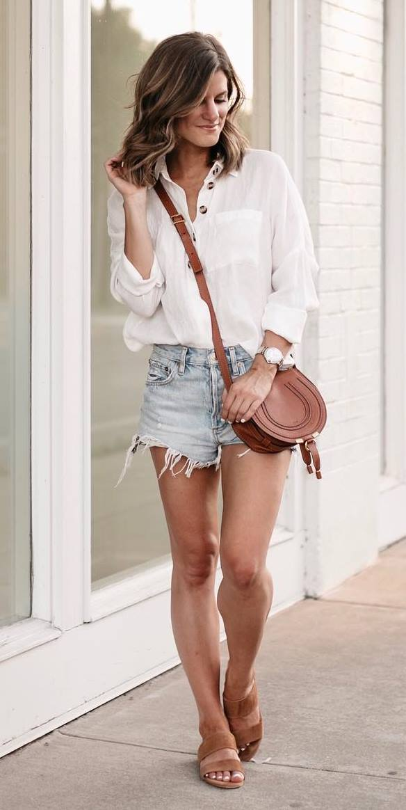 casual style addiction / white shirt + brown bag + denim shorts + slides