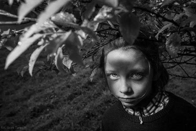 portret, fotografia portretowa, krew, fotograf krakow, krzysztof kamil baczynski