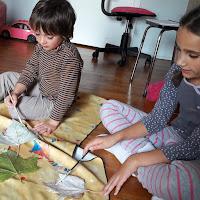 tutoriel photo decoration halloween enfant activité création fantomes suspendus