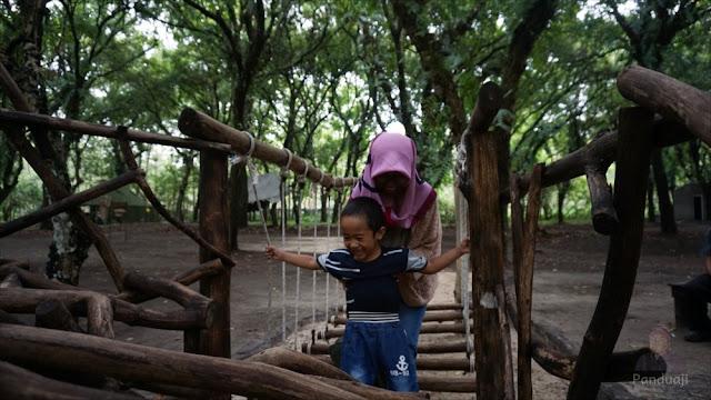 Outbond anak di Kesambi Trees Park