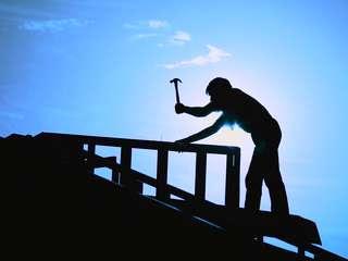 5 Tips Puasa untuk Pekerja Proyek Bangunan