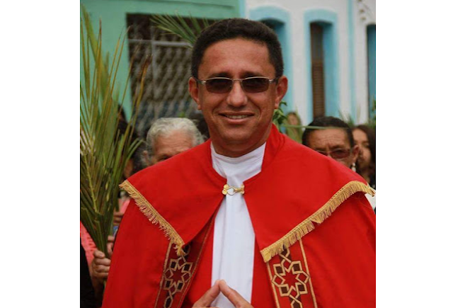 Padre José Aparecido celebra missa em Delmiro Gouveia em comemoração a Festa da Padroeira Nossa Senhora do Rosário