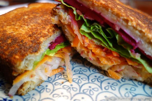 http://www.farmfreshfeasts.com/2013/04/my-favorite-grilled-cheese-sandwich.html