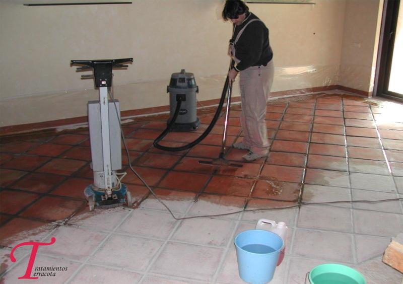 Tratamientos terracota dudas mas frecuentes a la hora de for Como limpiar el suelo de gres para que brille