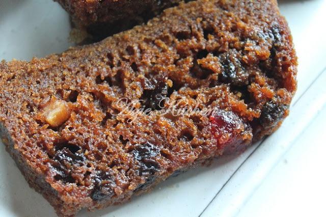 Kek Buah Kukus Lembab dan Sedap Azie Kitchen