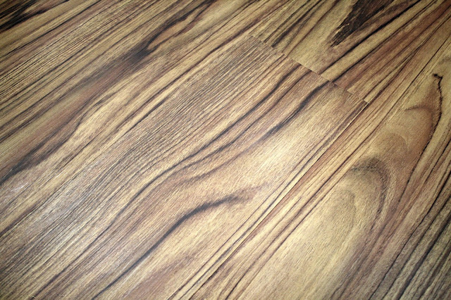 getting scuffs off vinyl flooring