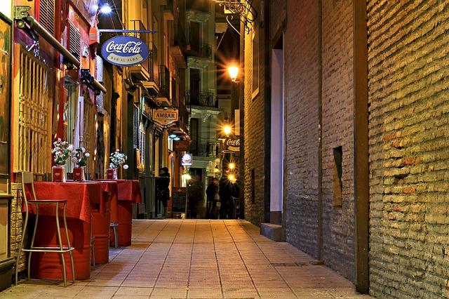 Un poco de turismo arquitectónico por Zaragoza