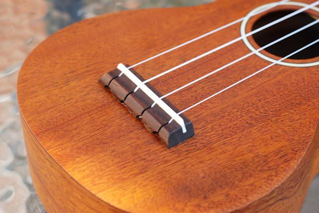 Ohana SK-25 ukulele bridge