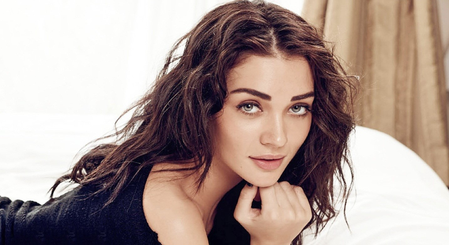 50 Best Amy Jackson Wallpapers and Photos - Movies Point Break
