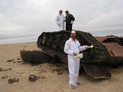 劣化ウラン弾によって破壊された戦車からは今も放射能が。 劣化ウラン弾は1991年の湾岸戦争で米軍