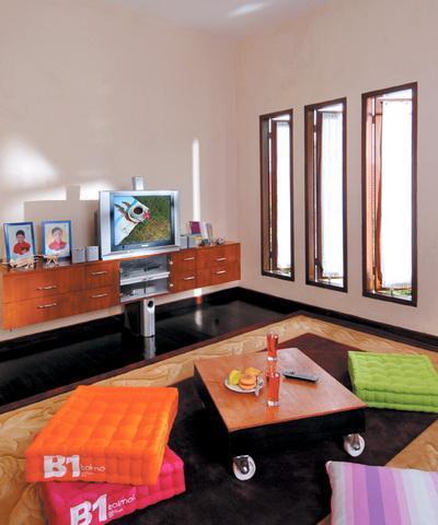 77 Desain Ruang Keluarga Minimalis Terbuka Lesehan Elegan
