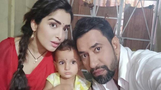 Bhojpuri actor Dinesh Lal Yadav Nirahua Real Wife Name and Photo Leaked | निरहुआ कि पत्नी दिखती हैं ऐसी, देखकर यकीन नहीं करेंगे आप