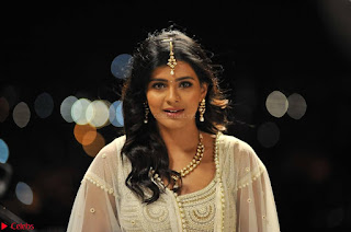 Hebah Patel looks Beautiful in movie Angel Spicy Pics 007.jpg