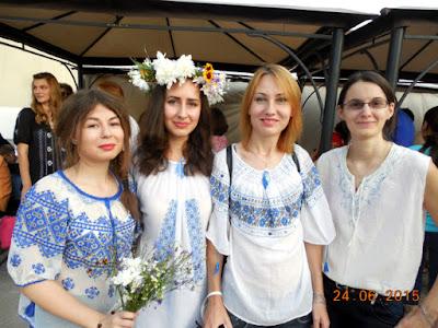 BucurIE alb-albastra: Oana, Alina, Xaara, Kinga