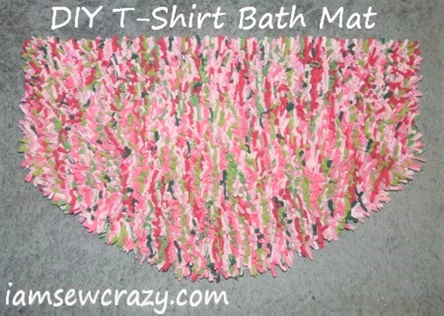 Learn how to repurpose t-shirts into a bath mat. Tutorial by I Am Sew Crazy