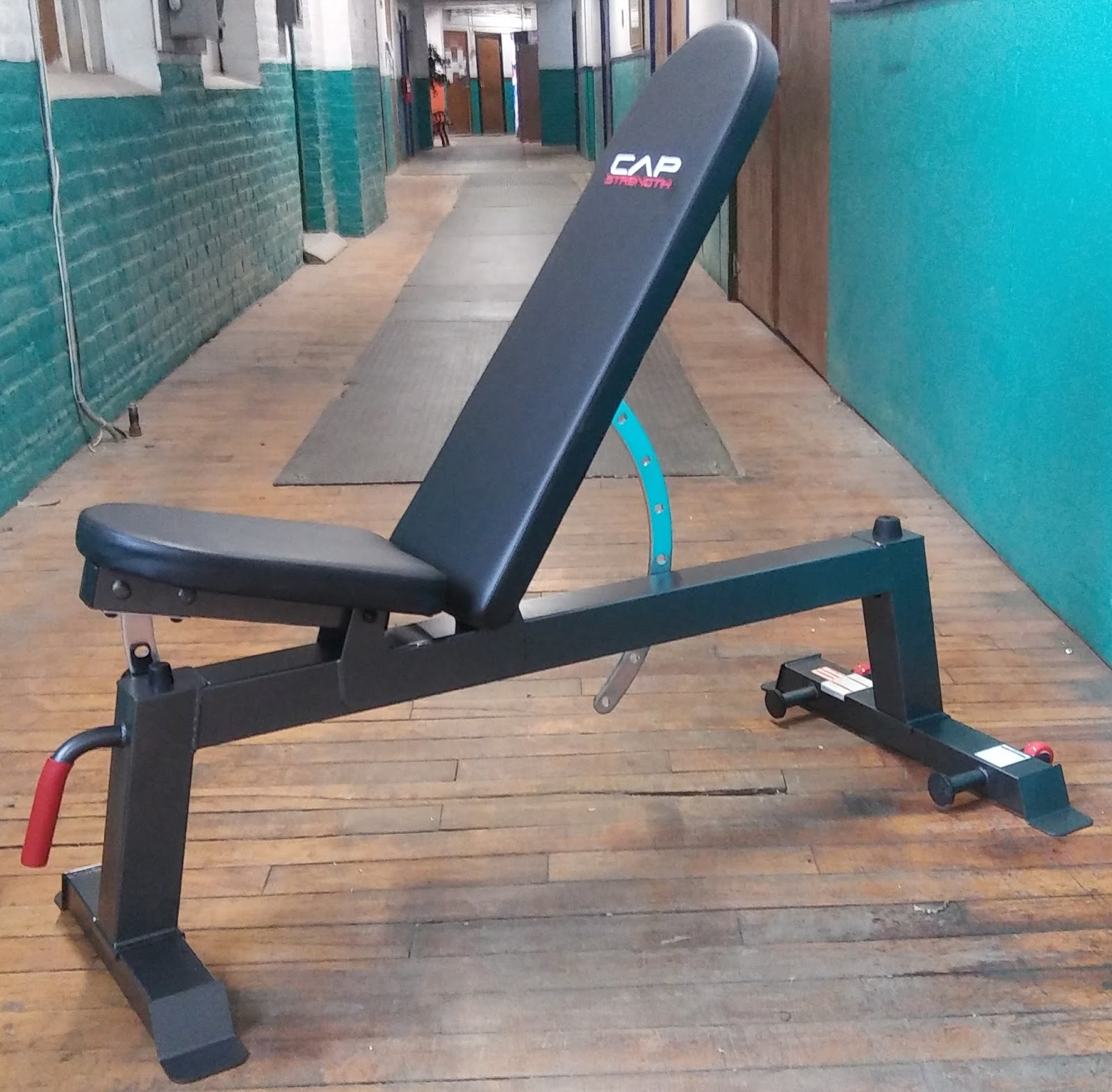 Cap Barbell Deluxe Utility Bench 28 Images Cap Barbell Fm Cb804dx Deluxe Utility Bench