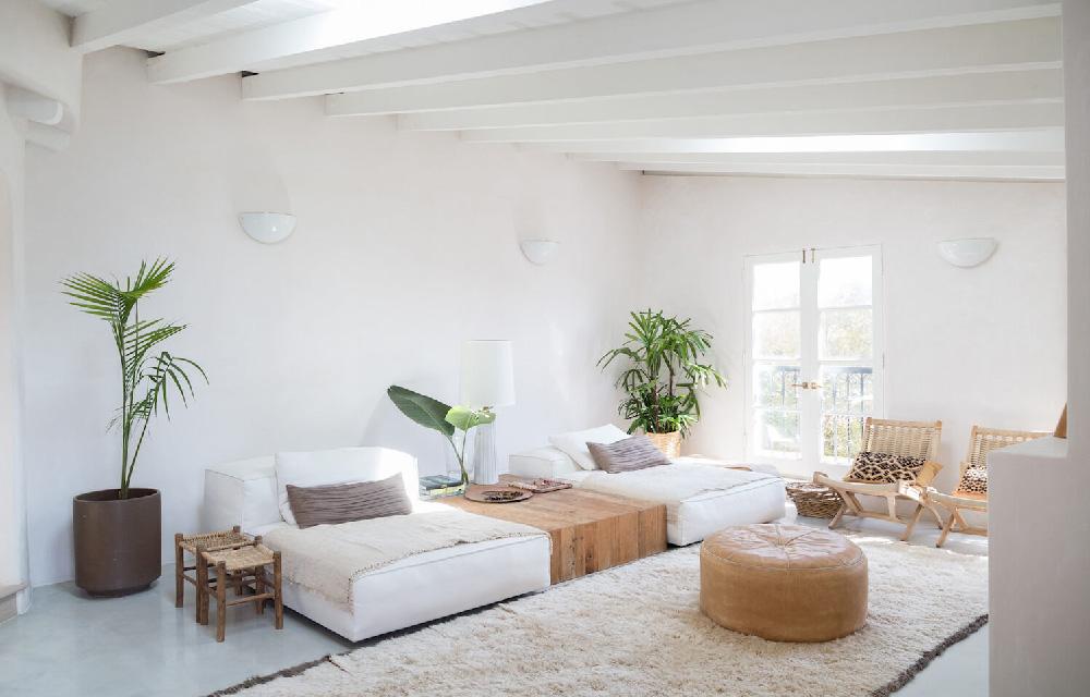 Restyling in stile mediterraneo per una villa a los for Case stile americano interni
