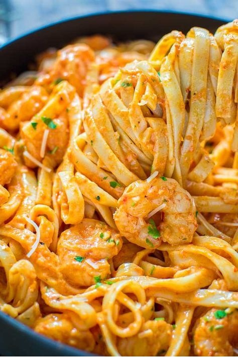 Shrimp Fettuccine with Roasted Pepper Sauce