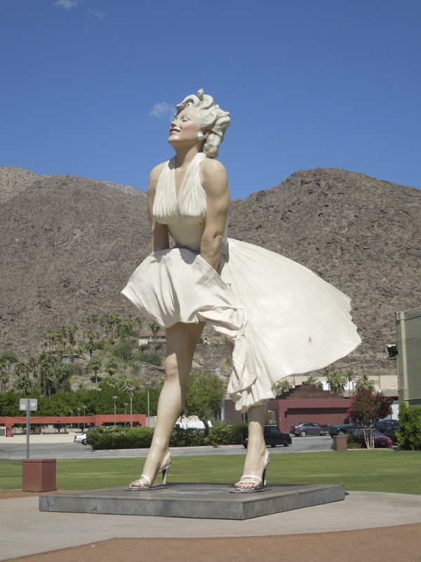 26-ft Forever Marilyn statue Palm Springs