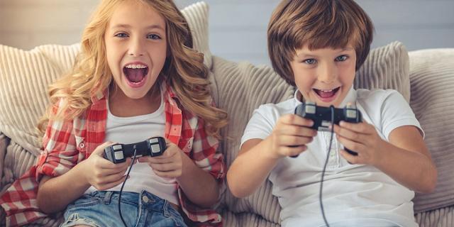 बच्चों को मैथ्स, साइंस, BUSINESS, मैनेजमेंट जैसे विषय सिखाता है यह ONLINE GAME | NATIONAL NEWS