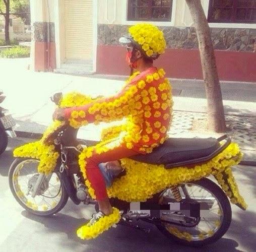 Xe gắn máy và quái nhân VietNam 2.1