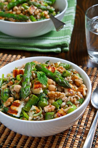 Asparagus, Halloumi and Chickpea Farro Salad Recipe