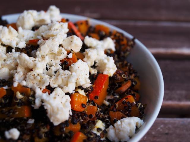 Kürbisquinoa aus schwarzem Quinoa und Hokkaido Kürbis