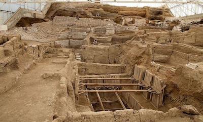 Manusia Purba Pada Zaman Pra Sejarah dan Kebudayaan Agama Hindu Pada Zaman Maesolitik, Neolitik, dan Zaman Perundagian