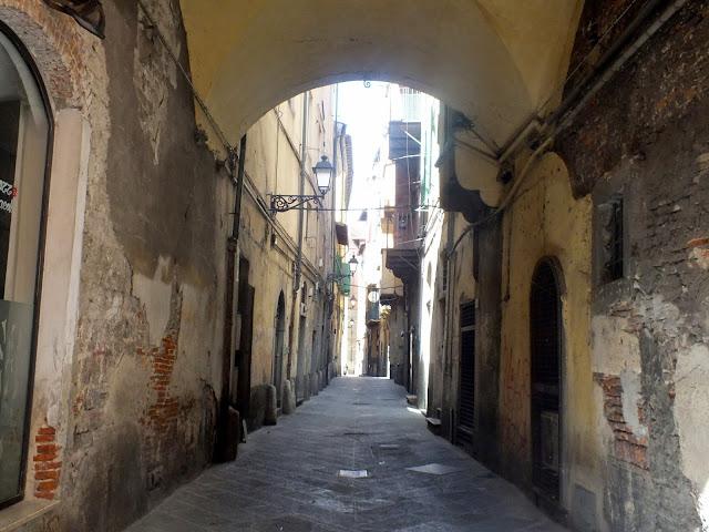 callejones de Pisa
