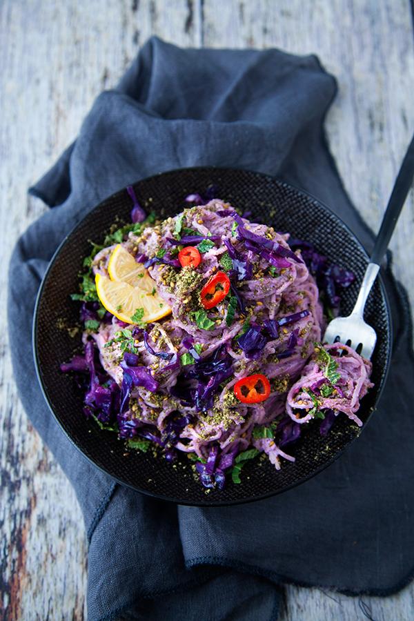 Pâtes au houmous violet