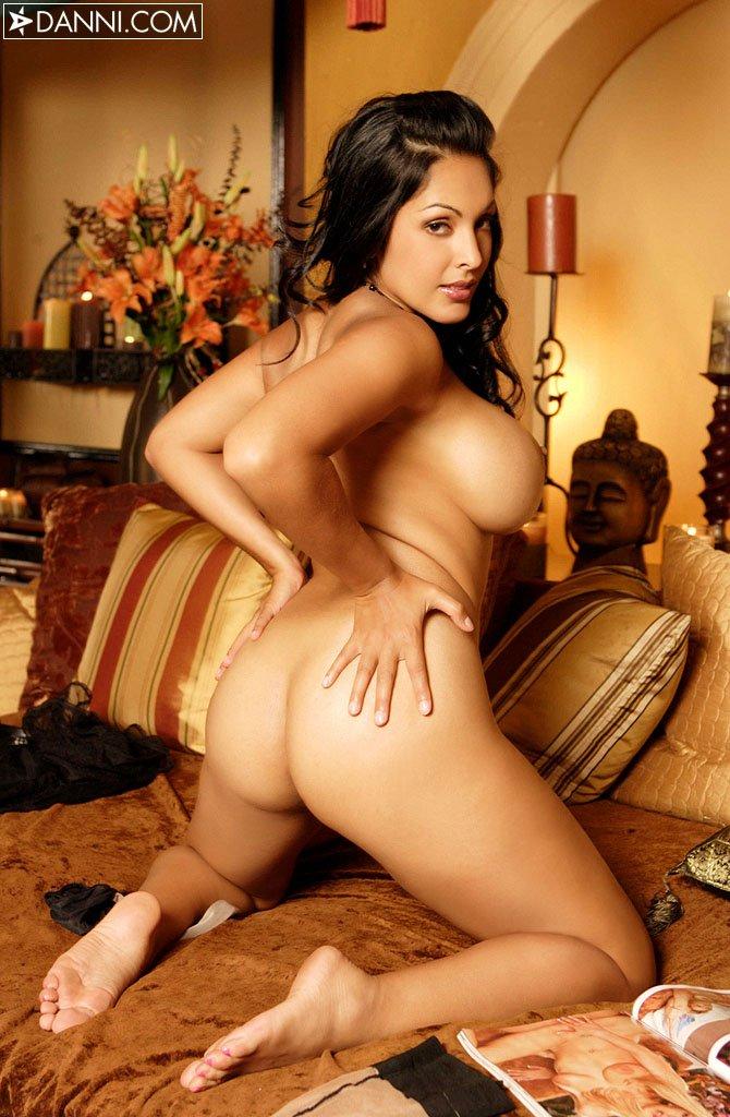 Nina Mercedes Porno