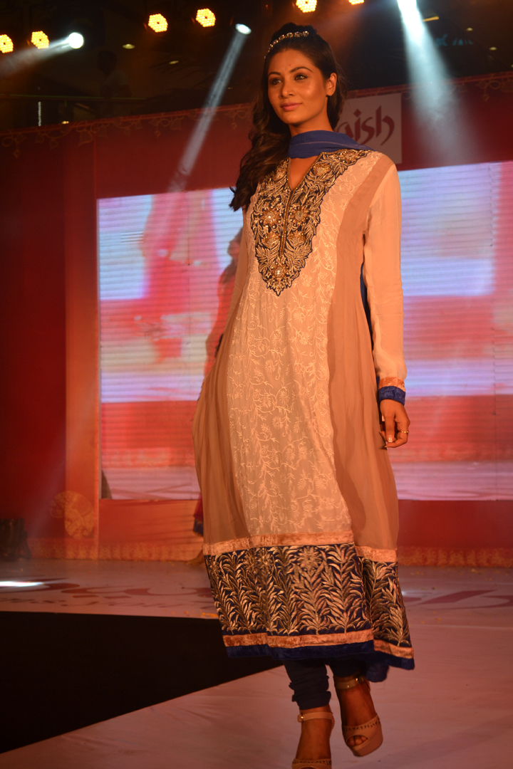 Finest Ethnic Clothing Indian Woman Stylish By Nature By