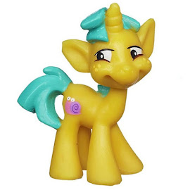 My Little Pony Ponyville Newsmaker Set Snailsquirm Blind Bag Pony