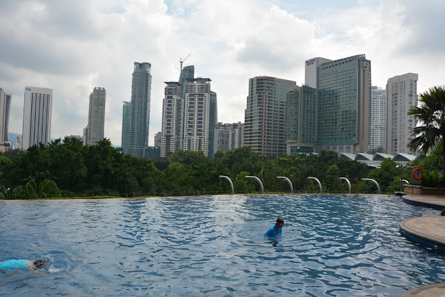 Mandarin Oriental Hotel KL swimming pool