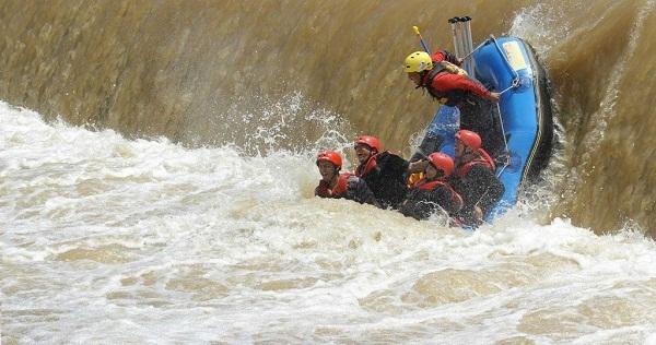 Jalan-Jalan Ke Sungai Progo Sambil Raffting Dengan Kelaurga Anda