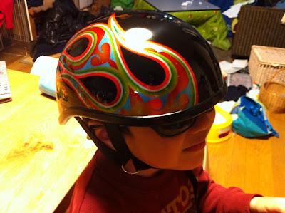 1969322286 - カスタムペイント工程  ダックテールヘルメット 奈良フレイムス