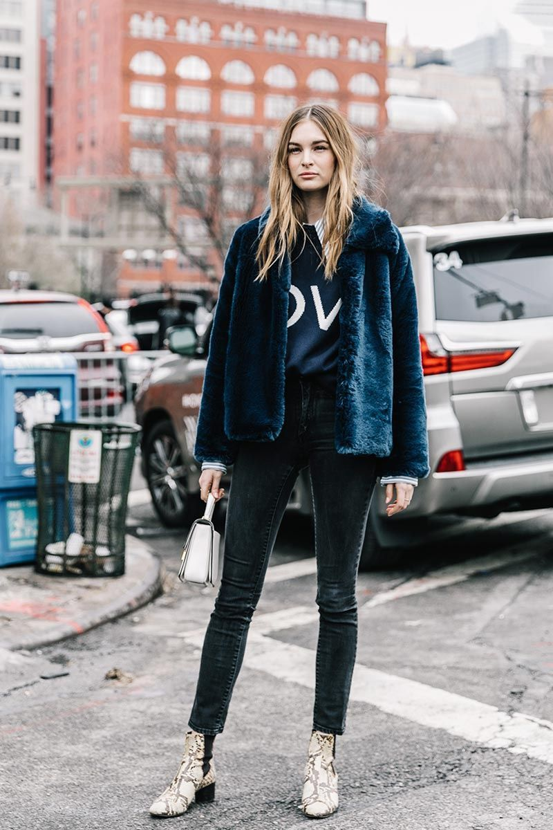 Try This Cool Model-Off-Duty Winter Outfit Over the Weekend