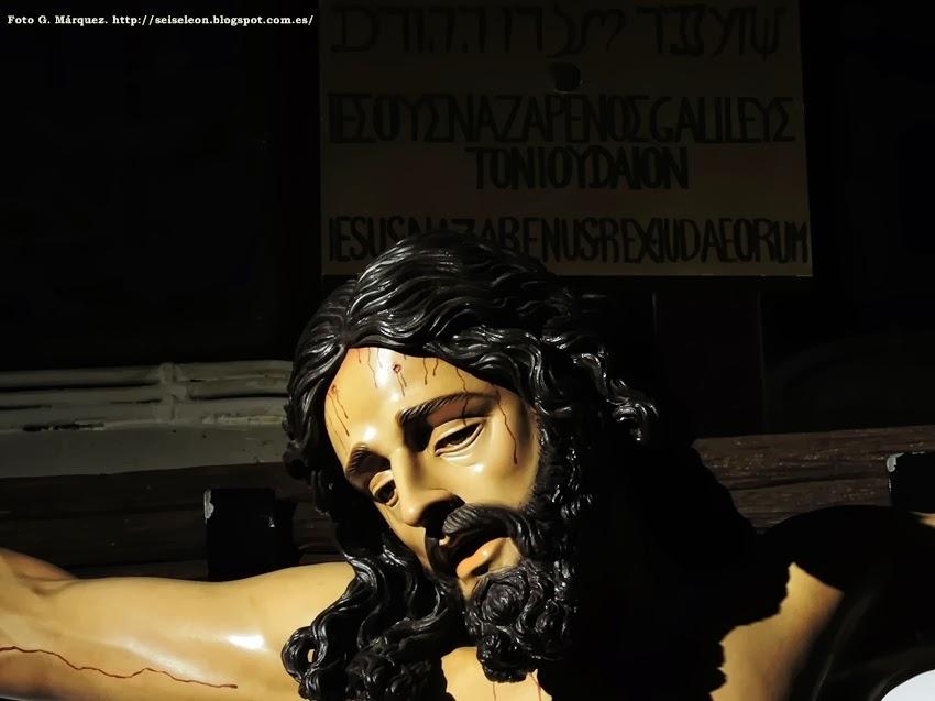Santísimo Cristo de la Sed. Cofradía de las Siete Palabras de Jesús en la Cruz. León. Foto G. Márquez.