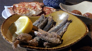 Pa amb tomaquet, fried fish, Bormuth, Barcelona.