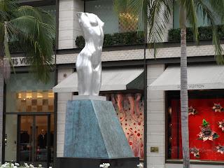 Estátua na Rodeo Drive