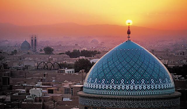 6 Hal Yang Harus Anda Ketahui Sebelum Mengunjungi Iran